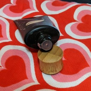 tarte Makeup - Ivory)Tarte Amazonian Clay Foundation